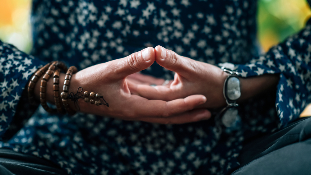 Dhyana,Mudra.,Hand,Gesture,Holding,Fingers,In,Dhyana,Mudra,For